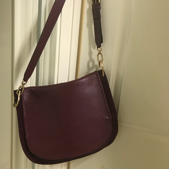 3907fa55e4a9 authentic Stuart Weitzman Lexie crossbody bag. M 5aabd2d09a945568f834b605